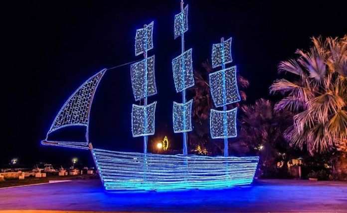 https://www.greece10best.com/why-greeks-decorate-a-boat-instead-of-a-christmas-tree/